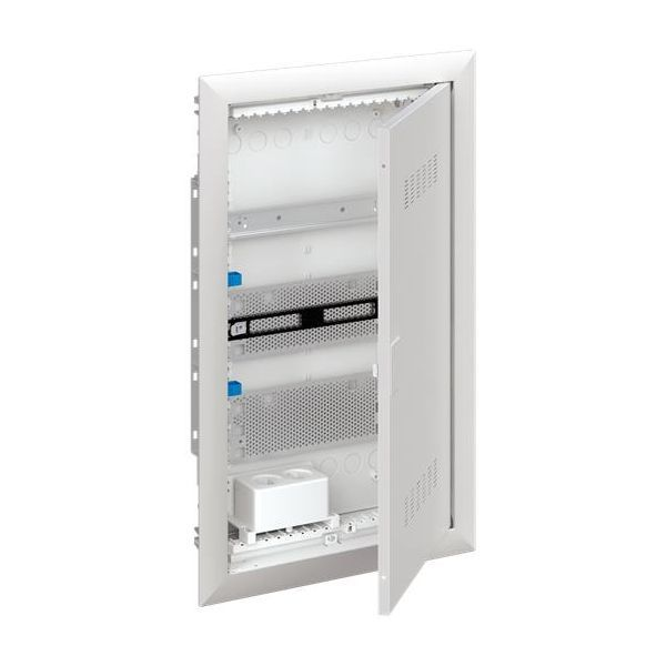 ABB UK630MVB Щит мультимедийный (без розетки) с дверью с вентиляционными отверстиями и DIN-рейкой (3 ряда)