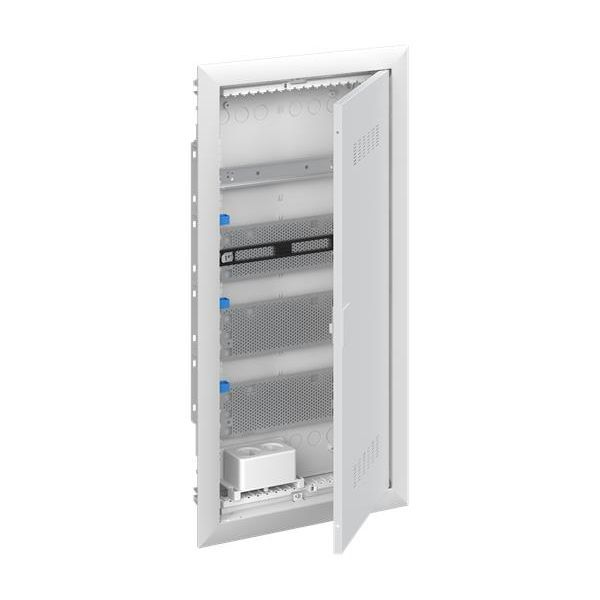 ABB UK640MVB Щит мультимедийный (без розетки) с дверью с вентиляционными отверстиями и DIN-рейкой (4 ряда)